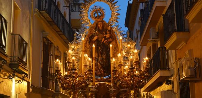 Resultado de imagen de Procesión de la Virgen del Amparo - Sevilla